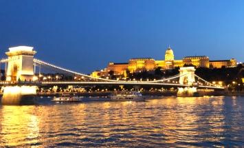 2019-budapeste-chain-bridge